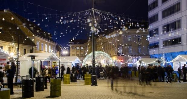 Advent-Europski-trg1-post